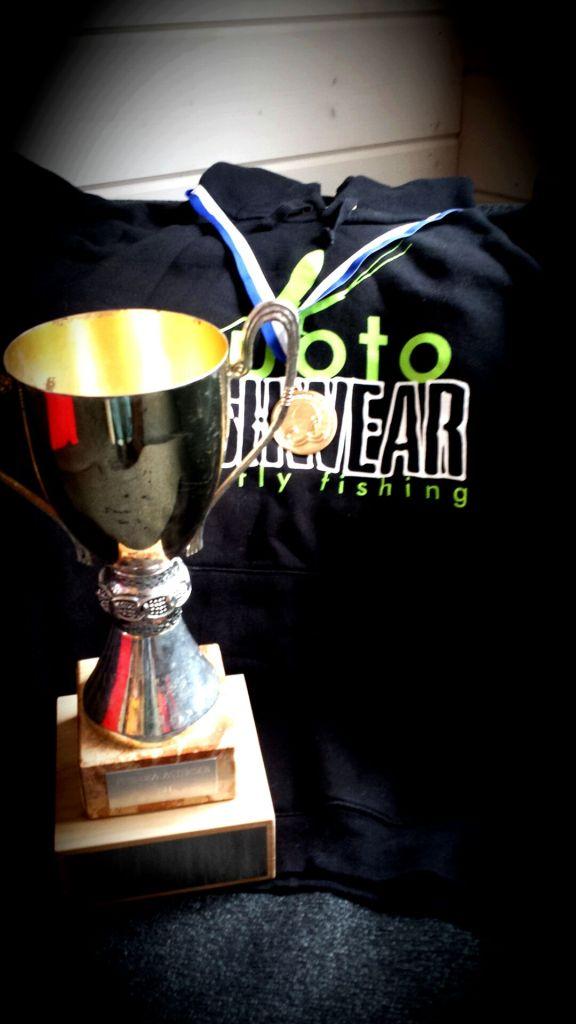 Atte Valkama voitti Suomemestaruuden kilpaperhokalastuksessa